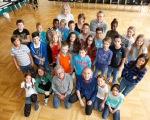Gruppenfoto mit Schirmherr:Lehrern und Künstlern